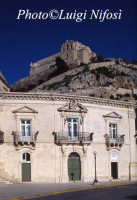 i luoghi di Montalbano: la questura di Montelusa  - Scicli (15262 clic)