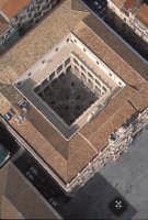 il pavimento barocco del palazzo dell'università visto dall'alto  - Catania (6478 clic)