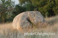 frammento di colonna presso le cave di cusa  - Cave di cusa (4071 clic)