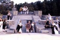 rappresentazioni classiche 2003 - Le Vespe  - Siracusa (2468 clic)