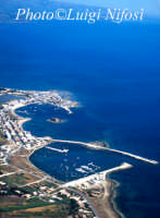 veduta aerea del porto e della città  - Marzamemi (8298 clic)