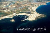 veduta aerea del porto e della città  - Marzamemi (10060 clic)