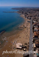veduta aerea della spiaggia di marina di ragusa  - Marina di ragusa (6088 clic)