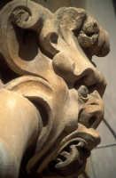 mascherone di palazzo beneventano SCICLI Luigi Nifosì