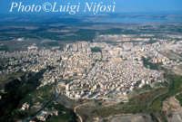 panorama aereo di Lentini e, sullo sfondo, il biviere  - Lentini (8602 clic)