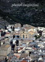 vista aerea della città e la chiesa Madre  - Monterosso almo (8079 clic)