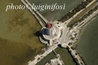 veduta aerea di un mulino nelle saline dello stagnone   - Marsala (3311 clic)