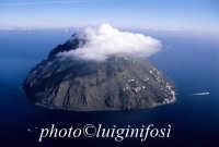 l'isola di alicudi vista dall'alto  - Alicudi (5459 clic)