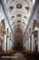 interno della chiesa di san pietro  - Modica (2027 clic)
