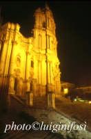 notturno del duomo di San Giorgio  - Modica (4091 clic)