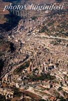 veduta aerea del centro urbano di modica con sullo sfondo il ponte gurrieri  - Modica (4220 clic)