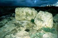 probabile dolmen o santuario preistorico in contrada imbastida  - Scicli (4068 clic)