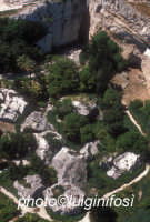 le latomie viste dall'alto  - Siracusa (2989 clic)