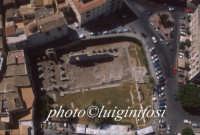 veduta aerea del tempio di apollo nel cuore di ortigia  - Siracusa (2943 clic)