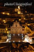 notturno della chiesa di san pietro e del castello  - Modica (1300 clic)