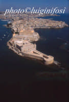 veduta aerea dell'isola di ortigia con il castello maniace in primo piano  - Siracusa (3546 clic)