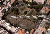 veduta aerea degli scavi archeologici all'interno della città  - Lipari (4245 clic)