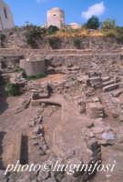 scavi archeo all'interno del castello   - Lipari (1825 clic)