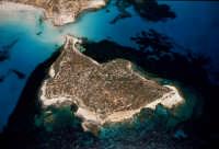 l'isola dei conigli vista dall'alto  - Lampedusa (5393 clic)
