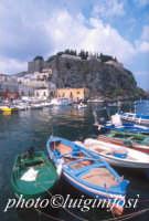 barche e il castello  - Lipari (2686 clic)