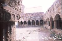 il chiostro all'interno della cattedrale di san bartolomeo  - Lipari (3124 clic)