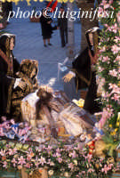 la processione del venerdì santo con statua bizantina in legno dell'addolorata venerata presso il Sa