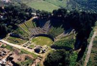 il teatro di tindari visto dall'alto  - Tindari (5855 clic)