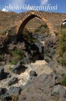 il ponte saraceno sul simeto  - Adrano (2450 clic)