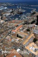veduta aerea con la chiesa di san francesco e la cala  - Palermo (4598 clic)