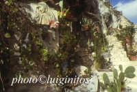 le grotte vestite di Via Posterla  - Modica (5671 clic)