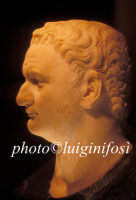 testa in marmo ( soggetto ignoto )rinvenuta nell'acropoli romana di San Marco  - Pantelleria (4044 clic)