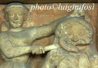 museo salinas - metopa da selinunte, perseo uccide la gorgone, particolare PALERMO Luigi Nifosì