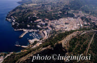 la citta' e il porto dall'alto  - Ustica (3292 clic)