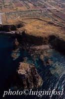 il villaggio dei faraglioni visto dall'alto  - Ustica (3134 clic)
