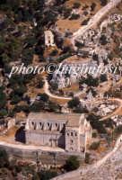 veduta aerea della chiesa di san matteo, con il castelluccio e la chiesa dello spirito santo dietro  - Scicli (4533 clic)