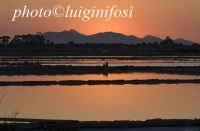 le saline e l'isola di mozia al tramonto  - Marsala (1189 clic)