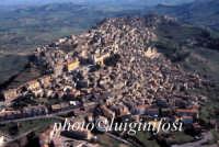 veduta aerea del centro urbano   - Calascibetta (7160 clic)