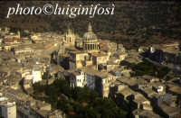 panorama aereo di Ragusa Ibla  - Ragusa (6152 clic)