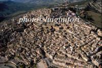... veduta aerea del centro storico di Caltagirone  - Caltagirone (4050 clic)