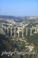 panorama aereo di Modica col ponte Gurrieri in primo piano  - Modica (19617 clic)