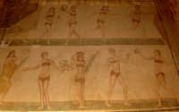 villa del casale - le ragazze in bikini  - Piazza armerina (3977 clic)