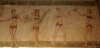 villa del casale - le ragazze in bikini  - Piazza armerina (3980 clic)