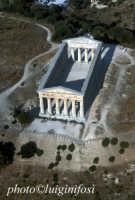 il tempio   - Segesta (5499 clic)