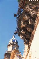 mensola di palazzo Cosentini e campanile della Chiesa dell'Idria a Ragusa Ibla RAGUSA Luigi Nifosì