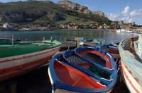 barche in secca nel porticciolo di sferracavallo  - Sferracavallo (5992 clic)