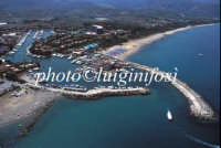 veduta aerea dell'ingresso del porto  - Porto rosa (8607 clic)