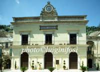 il teatro comunale Garibaldi  - Modica (2236 clic)