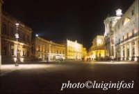 piazza duomo di notte  - Siracusa (2286 clic)