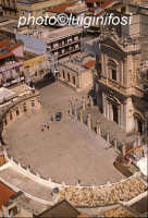 la basilica di santa maria  maggiore vista dall'alto  - Ispica (4343 clic)
