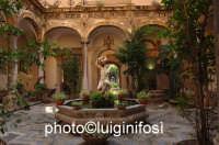 il chiostro del museo salinas  - Palermo (3138 clic)